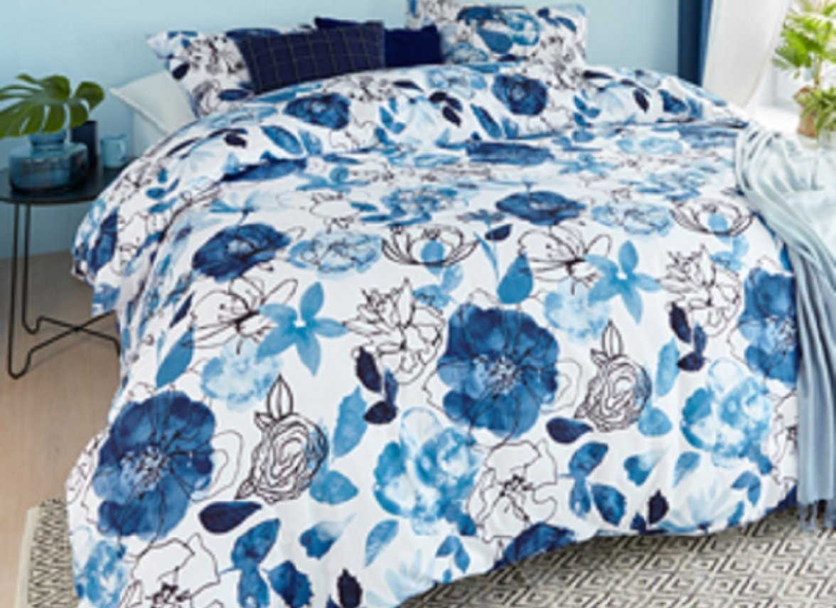 Beddinghouse dekbedovertrek Floral sketch blue