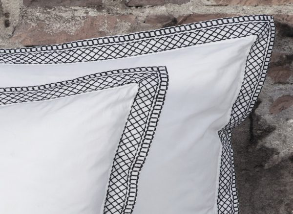 Flamant dekbedovertrek Muscat Embroidery black